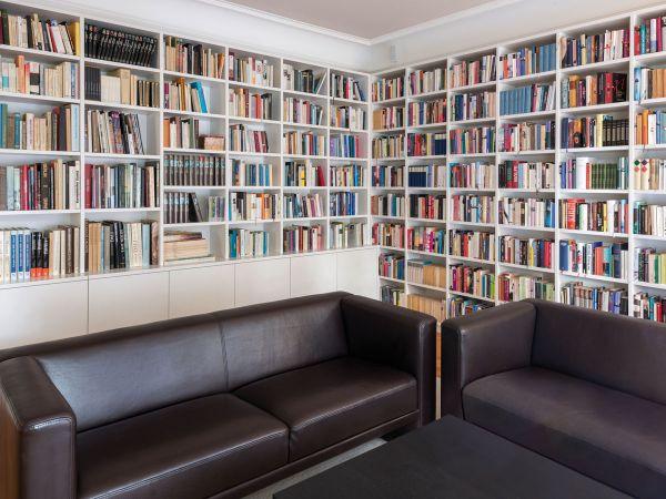 bibliothek m belmanufaktur regensburg schreinerei. Black Bedroom Furniture Sets. Home Design Ideas