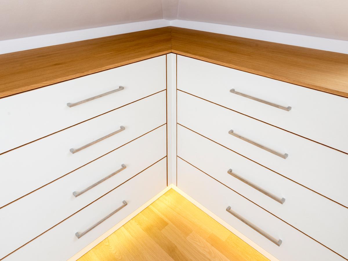 einbauschrank f r schr ge w nde m belmanufaktur regensburg schreinerei. Black Bedroom Furniture Sets. Home Design Ideas